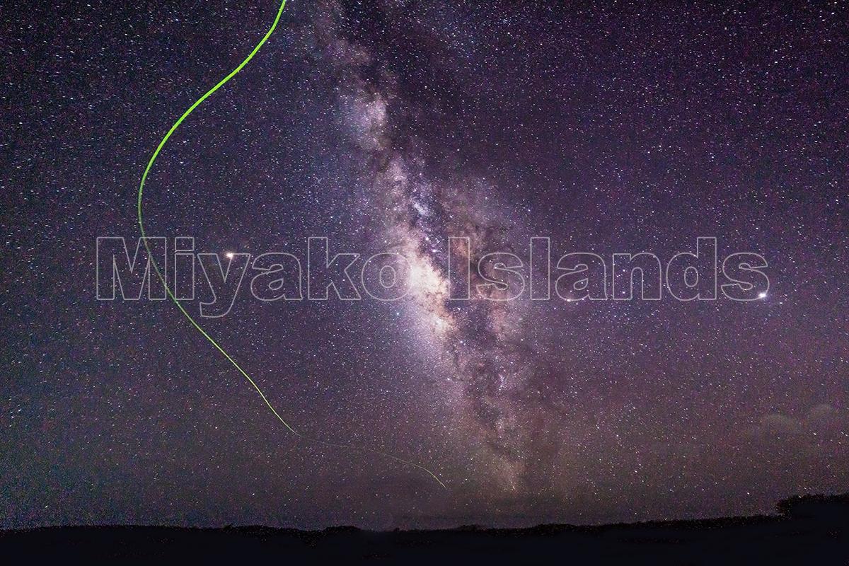 伊良部島 天の川と蛍の軌跡